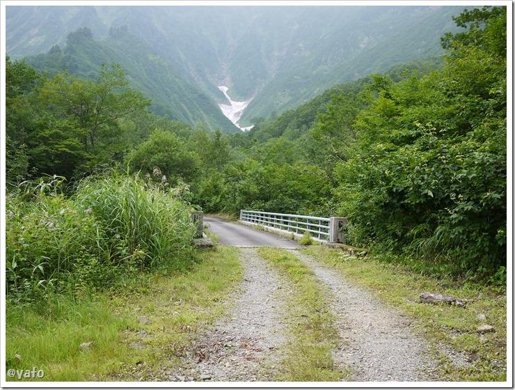 銀山平キャンプ場 雪渓遊歩道