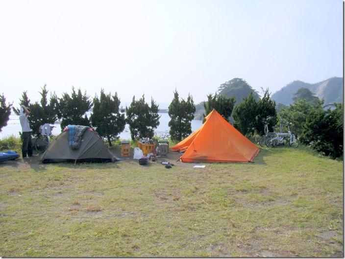 式根島 釜の下キャンプ場